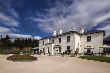 The Lodge at Ashford exterior